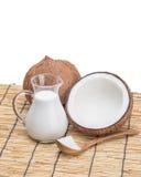 Noix de coco et lait de Cocos Photographie stock