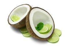 Noix de coco et limette Photographie stock libre de droits
