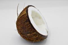 Noix de coco exotique de fruit avec la surface brune photo stock