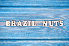 Noix du brésil d'inscription sur de vieux conseils Photographie stock