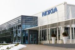 Nokia företagsnamn på en byggande vägg arkivfoto