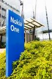 Nokia gatunku imię na błękitnym znaku na Wrześniu 16, 2017 Fotografia Stock