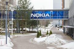 Nokia logo på den blåa bron royaltyfria bilder
