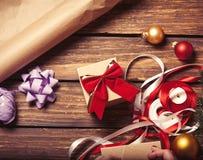 Noël cadeau-prêt pour l'empaquetage Photographie stock libre de droits
