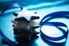 Noël tient le premier rôle le fond de scène Image libre de droits
