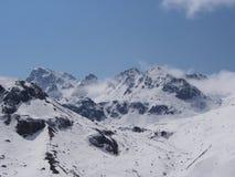 Nollpunkt Sikkim, var civilistvägen avslutar till himmel, Sikkim IN Arkivfoto