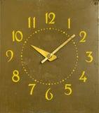 Nombre mécanique antique de flèches d'horloge des heures Photographie stock