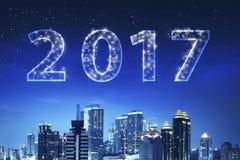 nombre 2017 sur le ciel Images stock