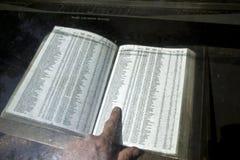 Nombres de las muertes de la guerra de Vietnam encendido Foto de archivo libre de regalías
