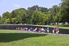 Nombres de las muertes de la guerra de Vietnam encendido Fotografía de archivo libre de regalías