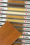 Nombres de madera y muestra Imagenes de archivo