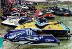 Nombres de ski de jet étant prêts pour la course Image stock