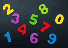Nombres en bois colorés Photographie stock