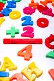 Nombres en plastique - mathématiques Images libres de droits