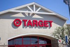 Nome e logotipo da loja do alvo imagens de stock