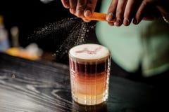 Non chiuda sul cocktail acido di New York con schiuma fronte Fotografie Stock Libere da Diritti