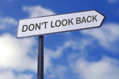 Non guardi indietro immagine stock