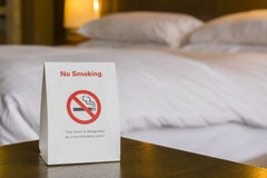 Non röka hotellrum royaltyfri bild