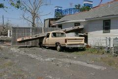Nona casa e camion del quartiere Immagini Stock Libere da Diritti