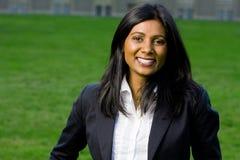 美丽的女孩印第安微笑 免版税图库摄影