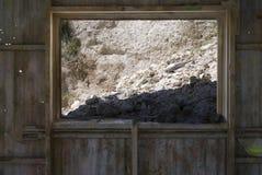 被开采的被放弃的硅藻土最小值 免版税库存图片