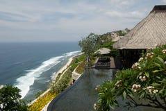 旅馆池热带手段的游泳 库存照片