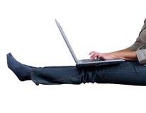 膝上型计算机键入 免版税库存照片