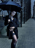 ομπρέλα κοριτσιών Στοκ εικόνες με δικαίωμα ελεύθερης χρήσης