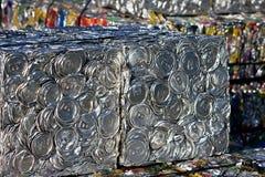 олово обжатое чонсервными банками Стоковые Фото