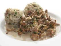 面包黄蘑菇饺子 免版税库存照片