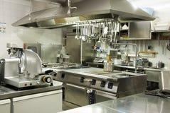 现代旅馆的厨房 免版税库存图片