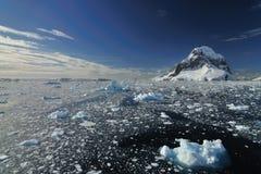 冰山在南极洲 免版税库存图片
