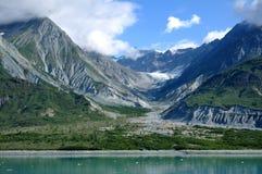 παγετώδης κοιλάδα βουνώ& Στοκ φωτογραφία με δικαίωμα ελεύθερης χρήσης