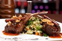剁羊羔餐馆 免版税图库摄影