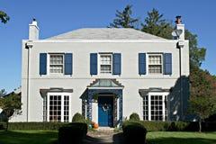 强调蓝灰色房子 库存照片