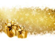 金黄圣诞节的礼品 免版税库存图片
