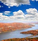在哈得逊河区域的叶子风景 免版税库存照片