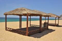 海滩风雨棚 免版税图库摄影