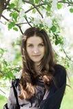 όμορφο πάρκο κοριτσιών Στοκ Φωτογραφίες