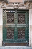 经典装饰的门 库存图片