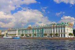 宫殿冬天 免版税图库摄影