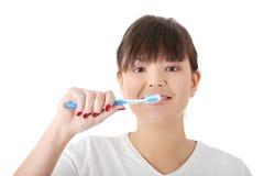 ее мыть зубов Стоковые Фотографии RF