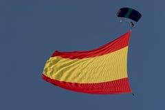 σημαία που πετά τα ισπανικά Στοκ εικόνες με δικαίωμα ελεύθερης χρήσης