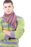 年轻人佩带的冬天布料纵向  免版税库存照片