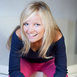 Πορτρέτο μιας όμορφης νέας ξανθής γυναίκας Στοκ φωτογραφίες με δικαίωμα ελεύθερης χρήσης