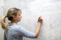 金发碧眼的女人一铅笔年轻人 免版税图库摄影