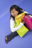 мешки держа женщину покупкы Стоковое Фото
