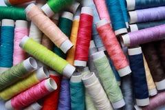 χρωματισμένα νήματα βαμβακ& Στοκ Εικόνες