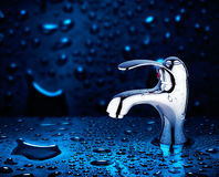 вода из крана Стоковое фото RF