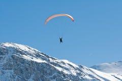 滑翔伞滑雪 免版税图库摄影